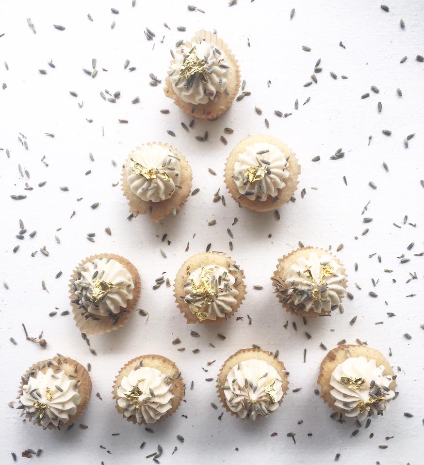 vanilla bean minis + lavender buttercream + dried lavender garnish + 23K gold leaf