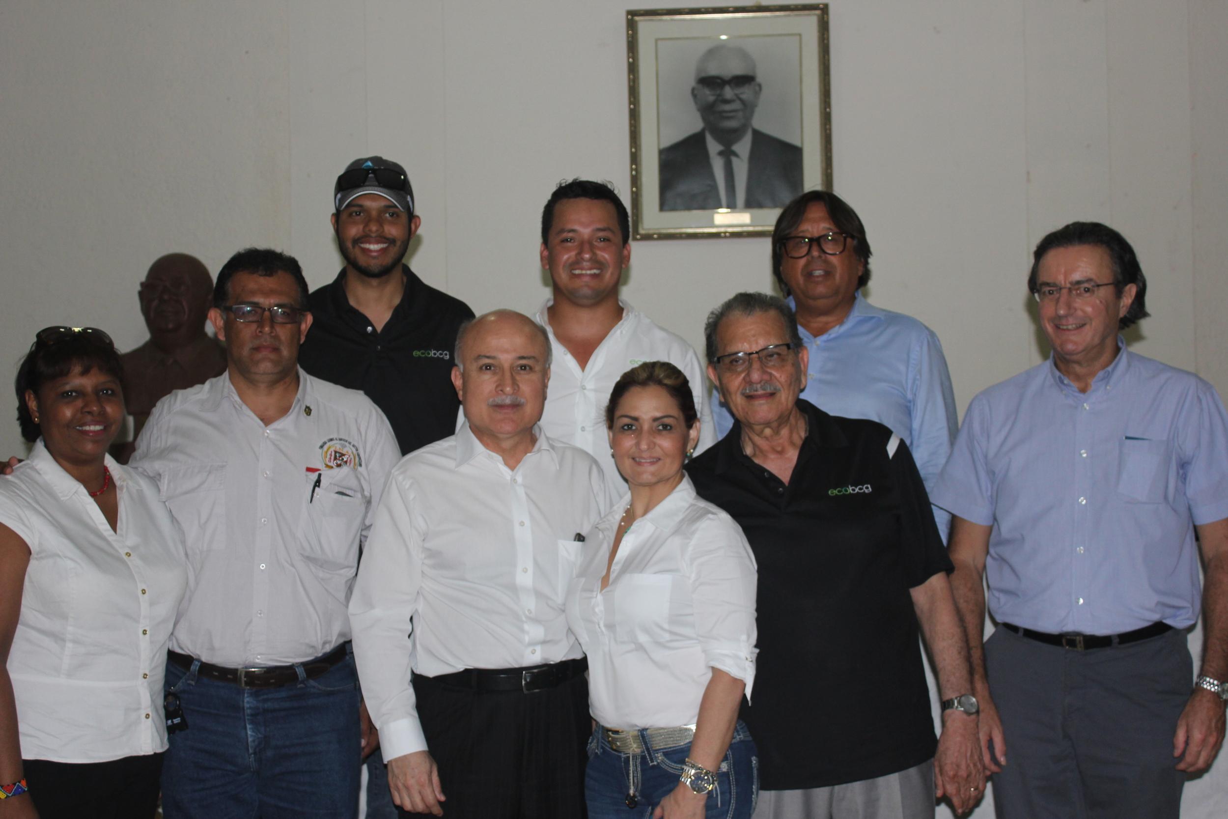 Nuestro equipo de Agribotix LatAm con algunos de los asistentes al evento