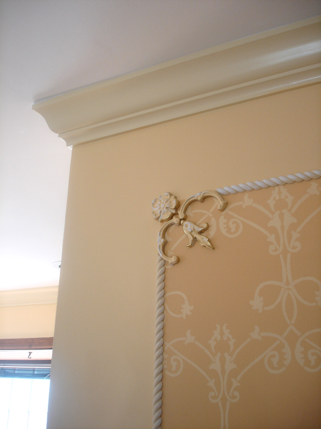 decorative-painting-stenceling-custom-millwork-crown-moulding-dots-of-arts.jpg