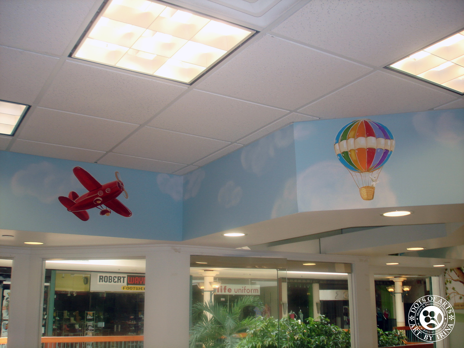 mural-sky-red-air-plane-air-baloon-custom-painted-kid-cutz-hair-salon-woodbridge-mall-NJ-dots-of-arts-copyright2015.jpg