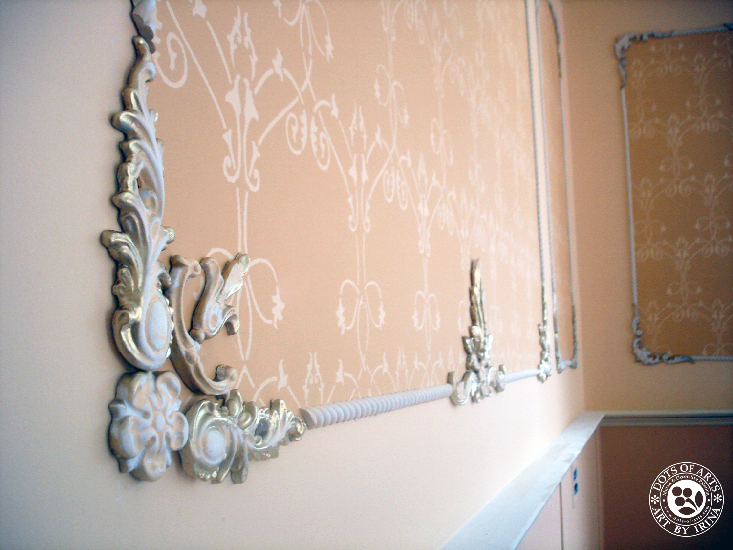 wall-decorative-painting-stenceling-custom-millwork-crown-moulding-dots-of-arts.jpg