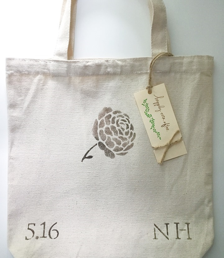 stenciled-welcome-bag