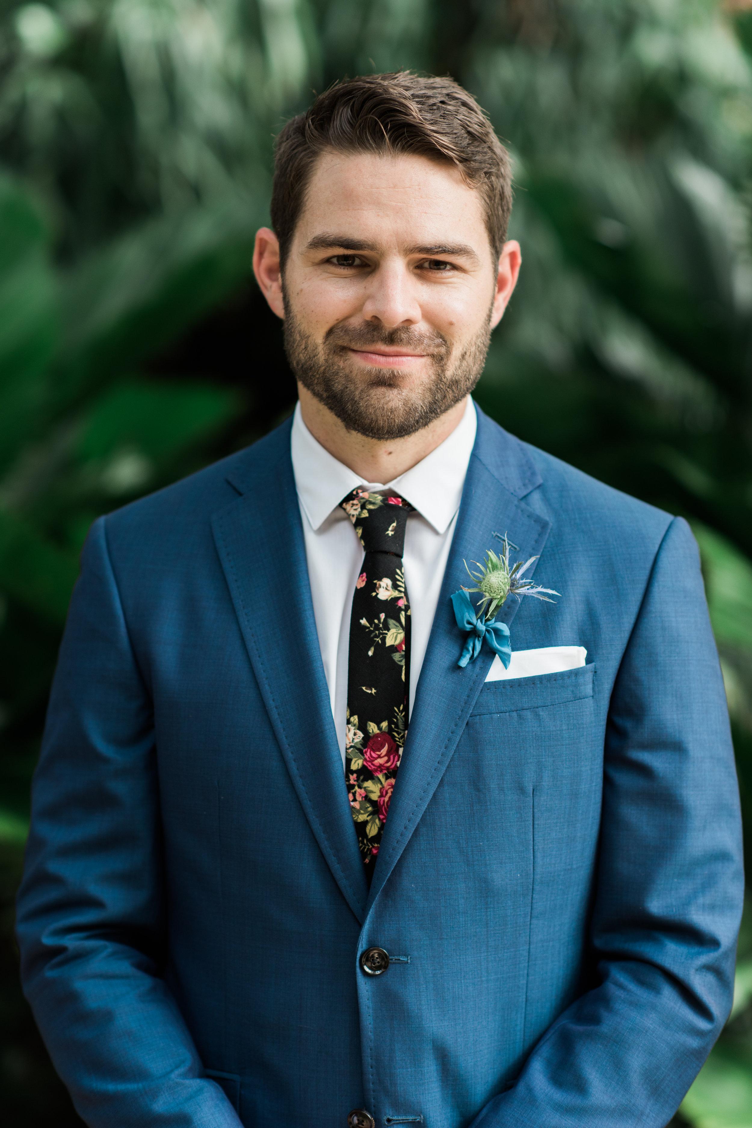 floral-tie-groom.jpg