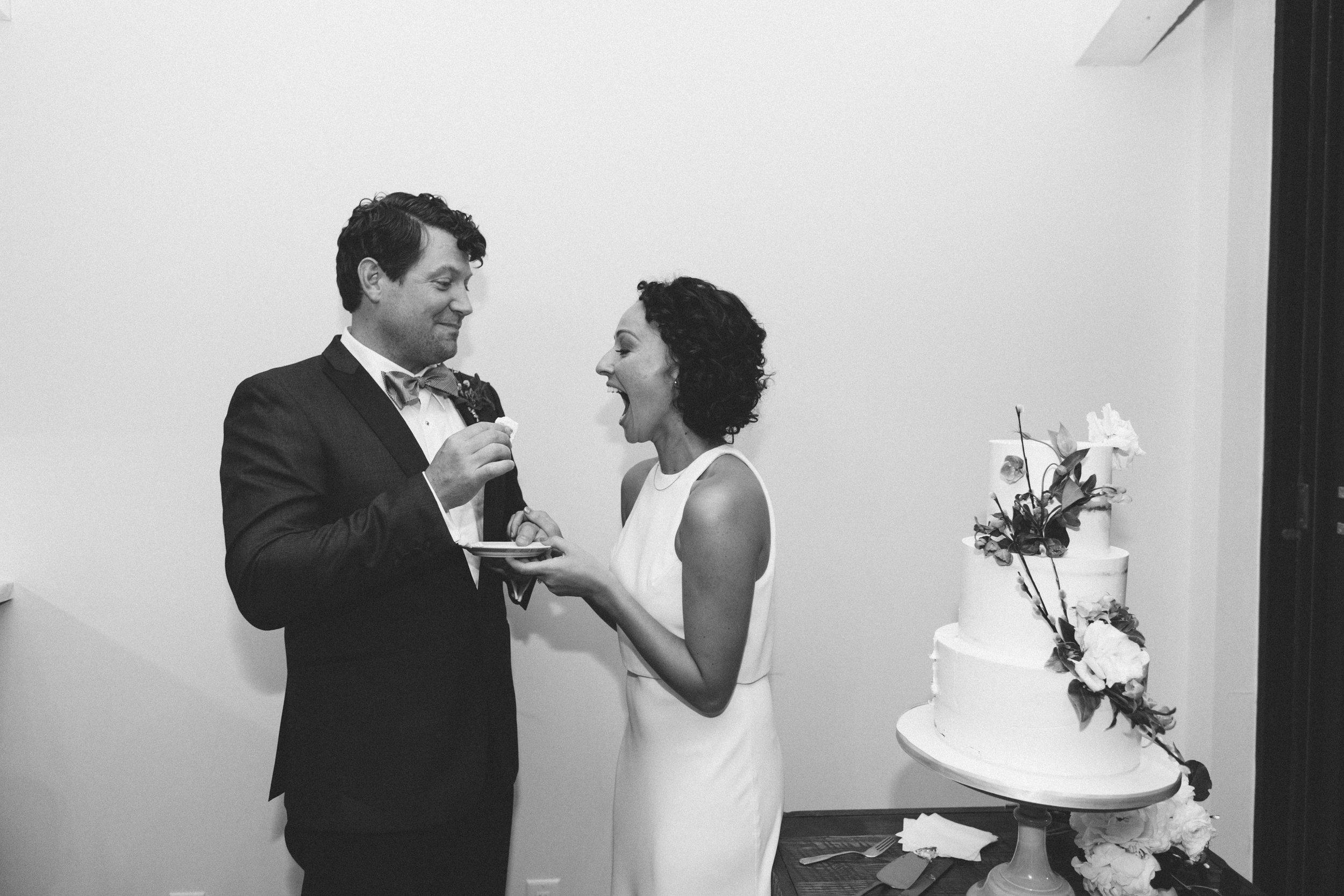 Social-house-wedding-cake-2.jpg