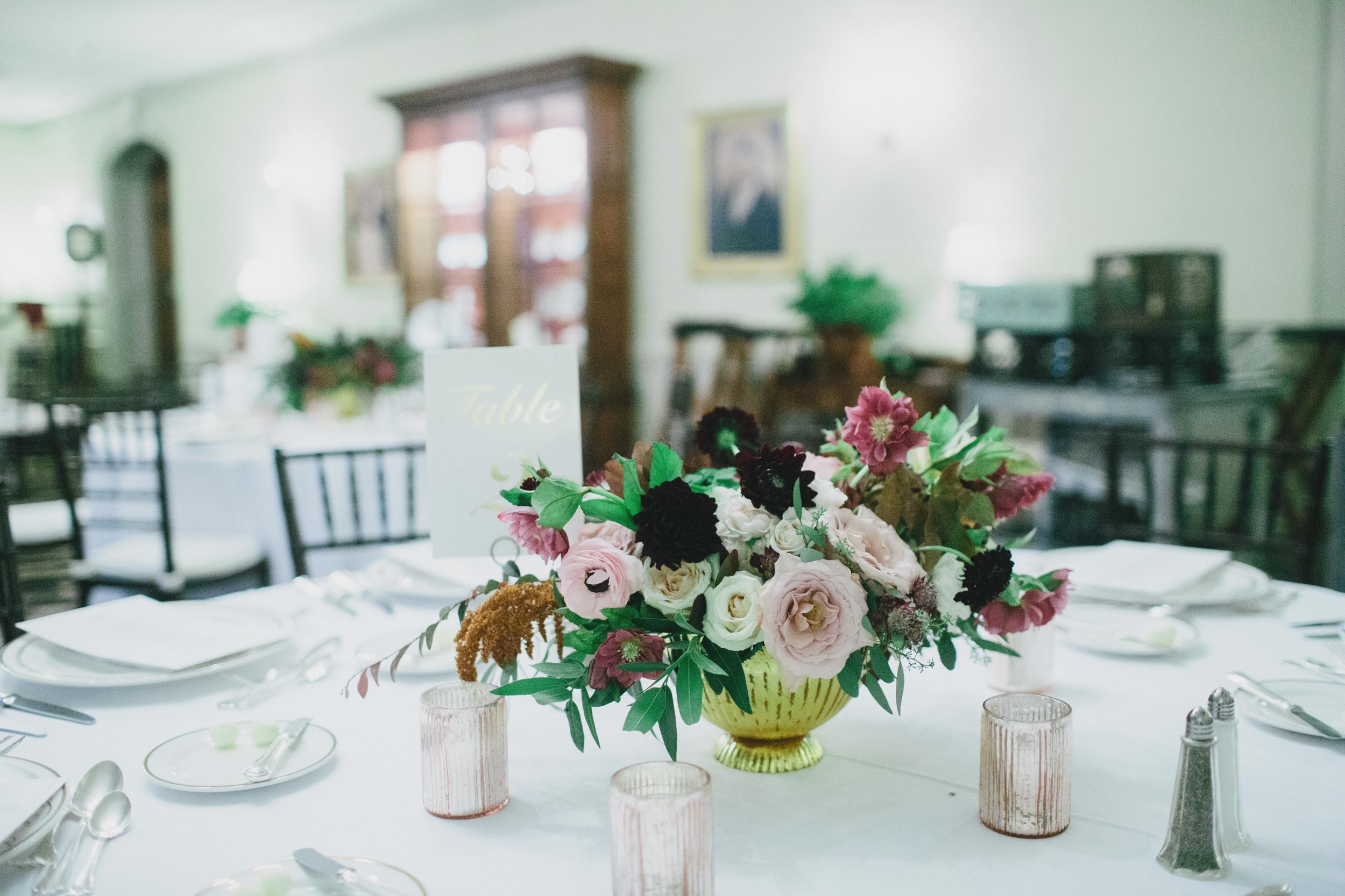 williamsburg-inn-wedding-centerpieces