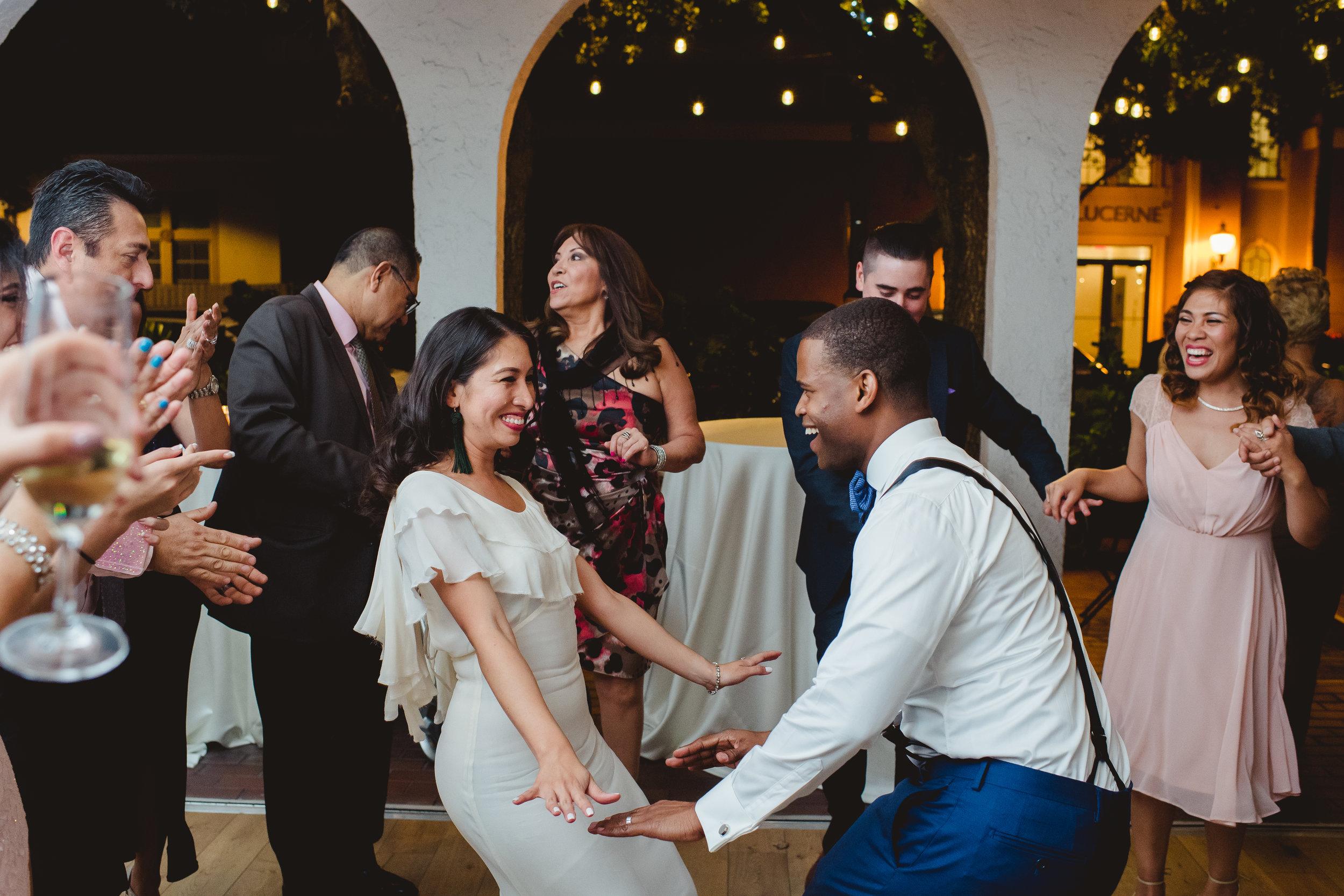 social-house-wedding