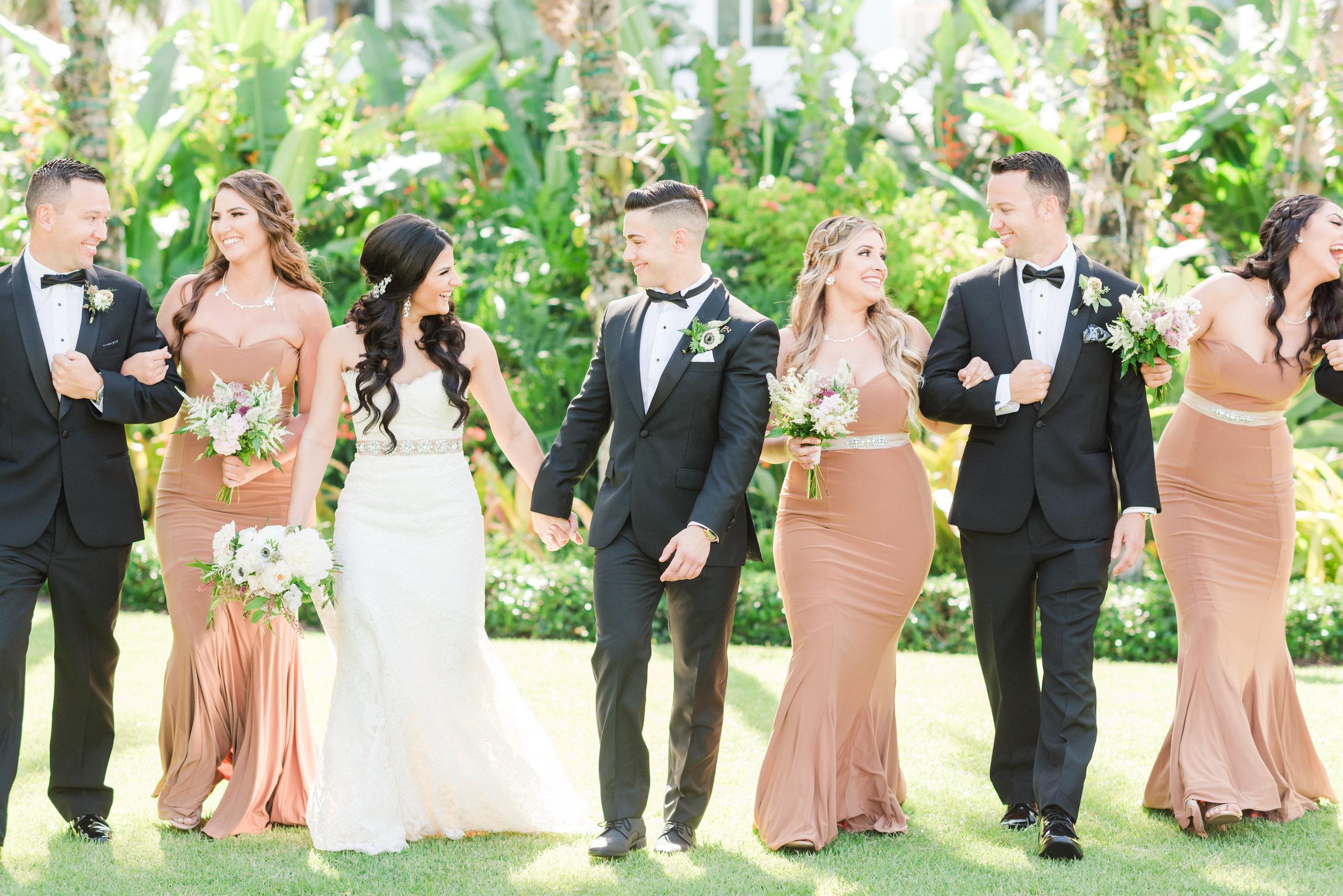neutral-wedding-party-attire