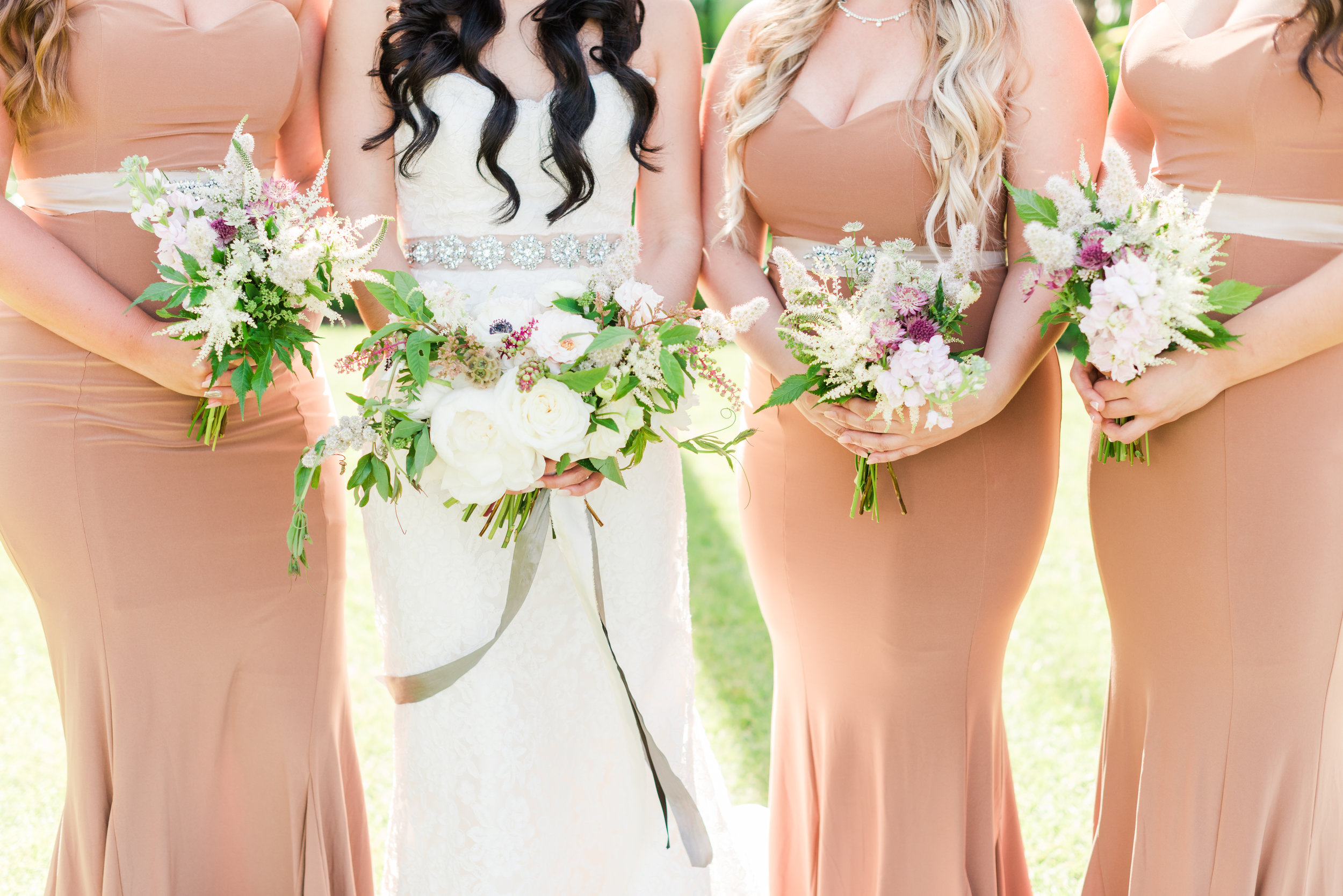 textured-bridesmaid-bouquet