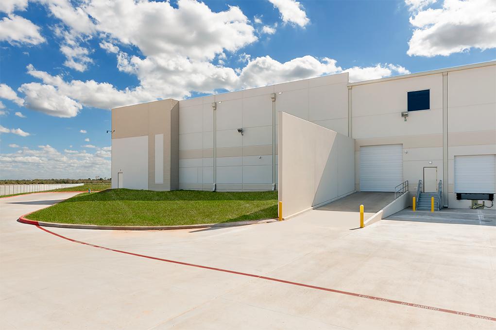 Broad Ocean Motors_Houston_ext (5).jpg