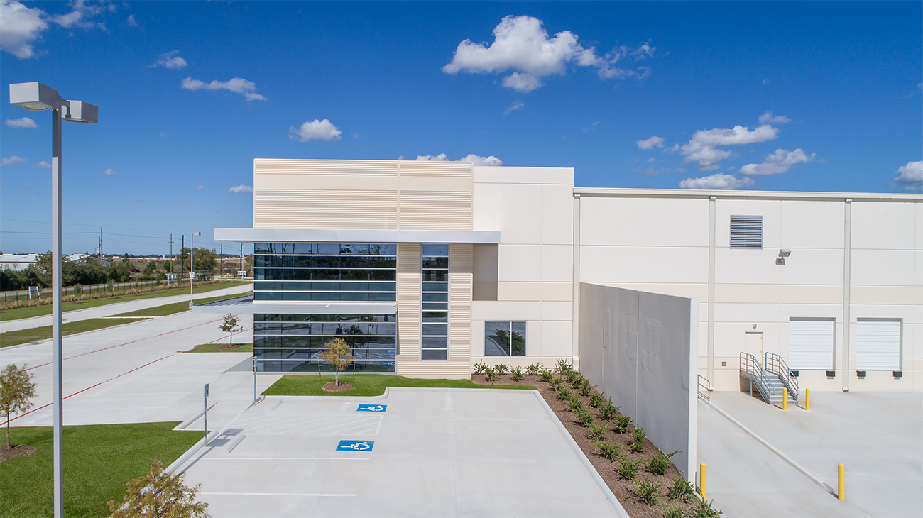 Broad Ocean Motors_Houston_ext (12).jpg