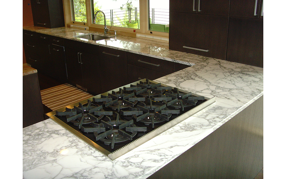 15_Calacatta Kitchen counter 001 6-28-10.JPG