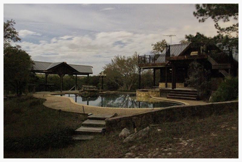 pool house2.jpg