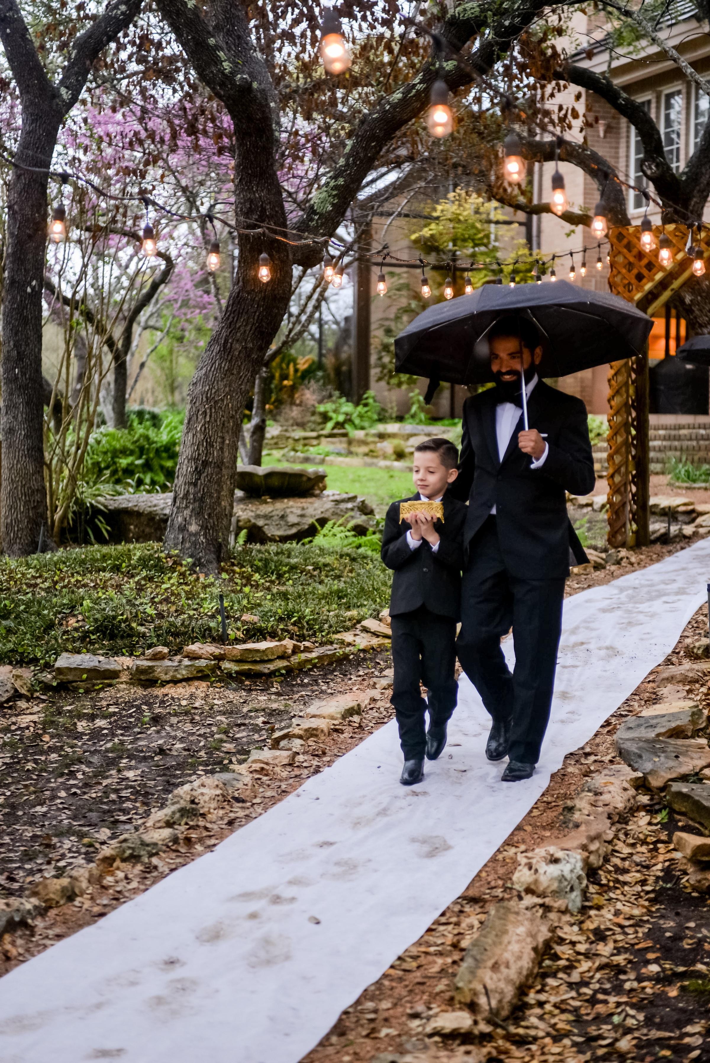 groom on walkway.jpg