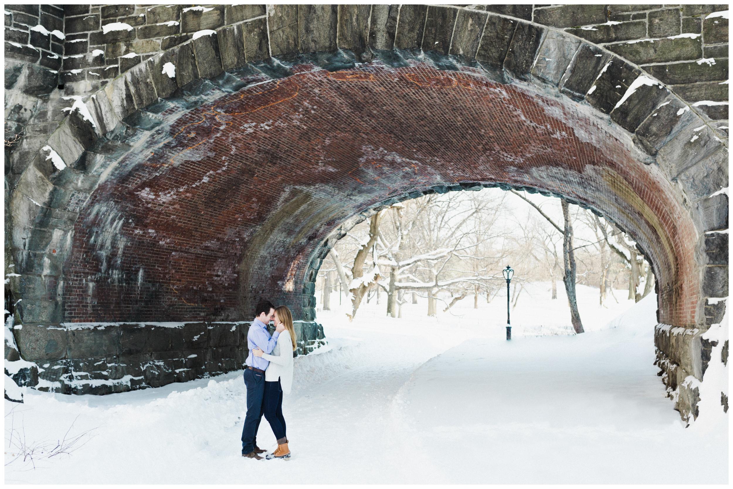 18-Central-Park-Winter-Engagement-Session-Allison-Sullivan.jpg