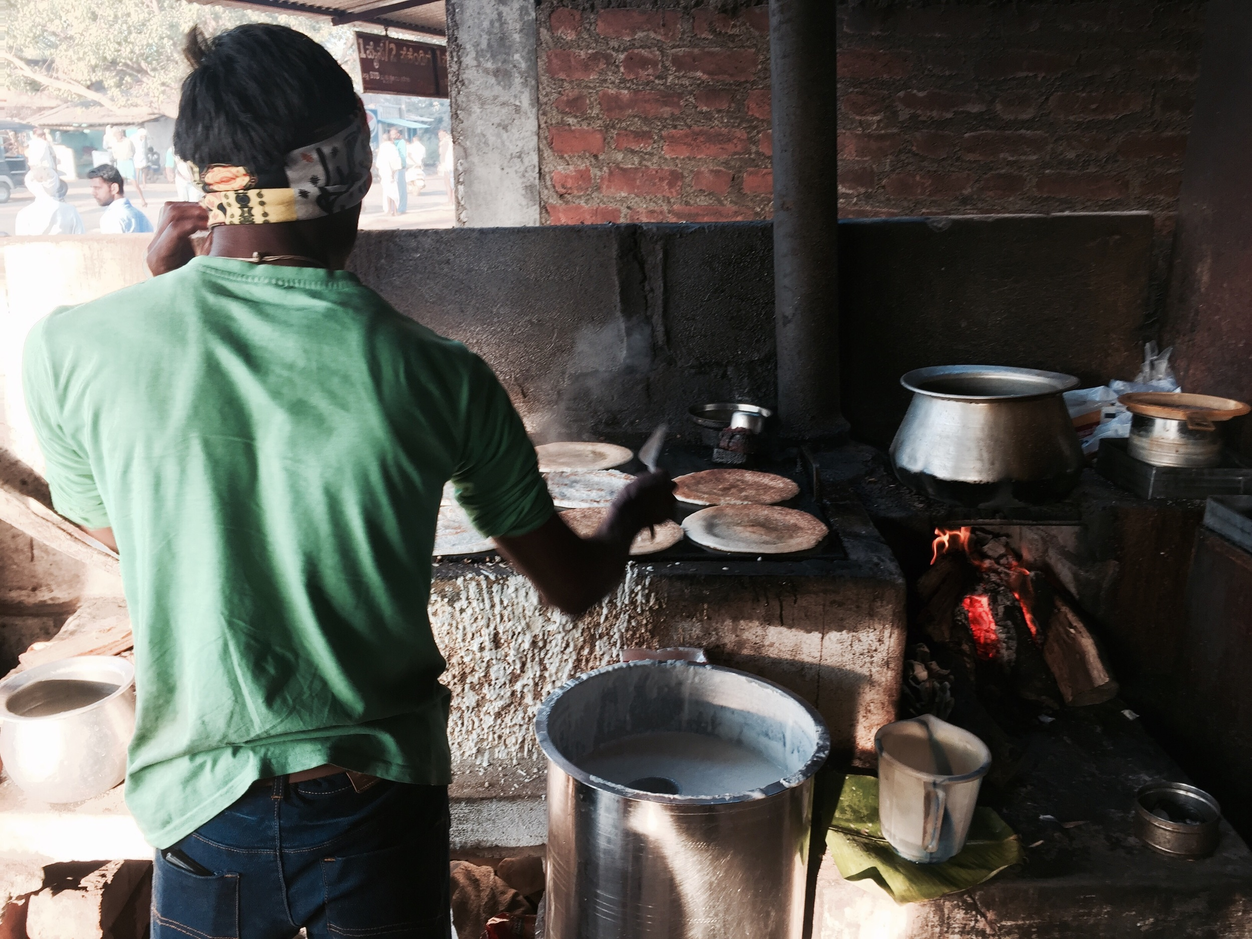 Was lucky this morning and found a place on the side of the road cooking up fresh Dosas.