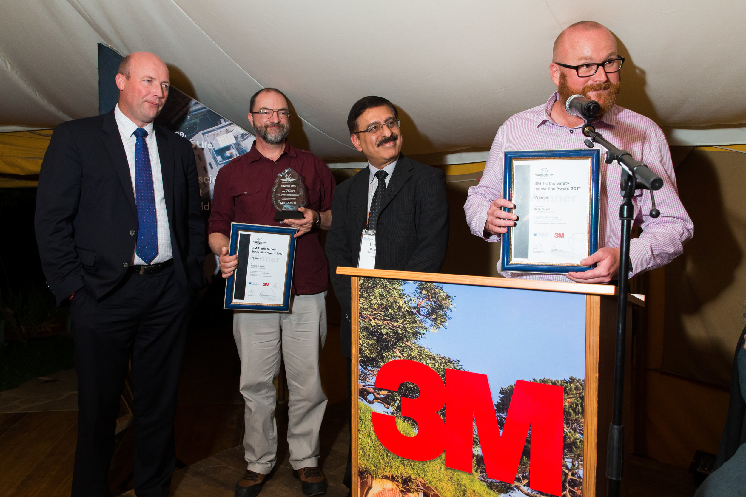 3M Award winner - Renewal and improvement of the SH1 Penrose Over Height Detection System (OHDS)Dean Parker, Peter Bathgate, Russell Pinchen, Joanne Chang, Laurence Butcher, Robert Shiret, Neil Fisher, Jean Paul Modderman - Auckland Motorway Alliance