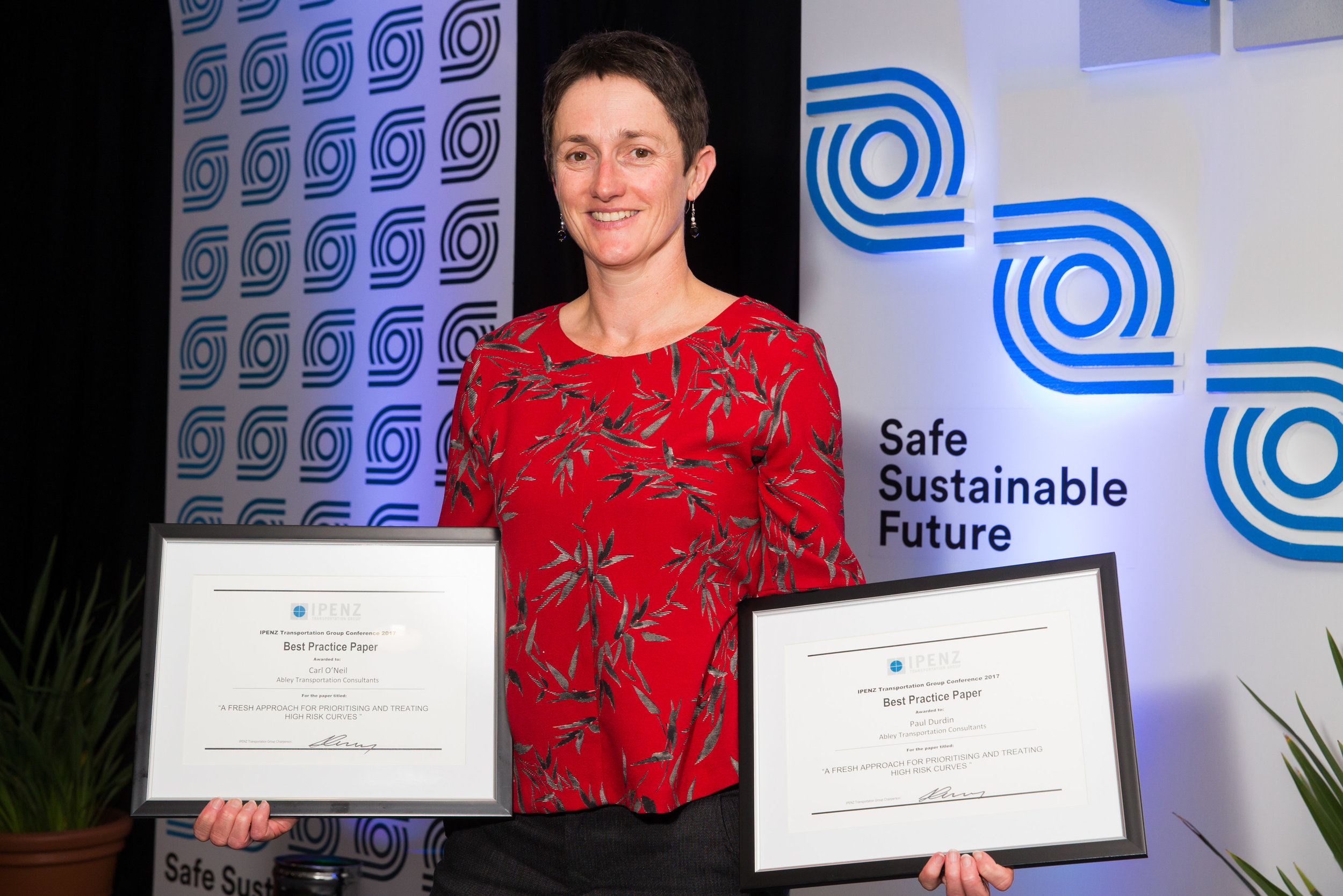 Best Practice Paper - A fresh approach for prioritising and treating high risk curves         Carl O'Neil and Paul Durdin - Abley Transportation ConsultantsRaja Abeysekera - Transport for NSW: Centre for Road Safety