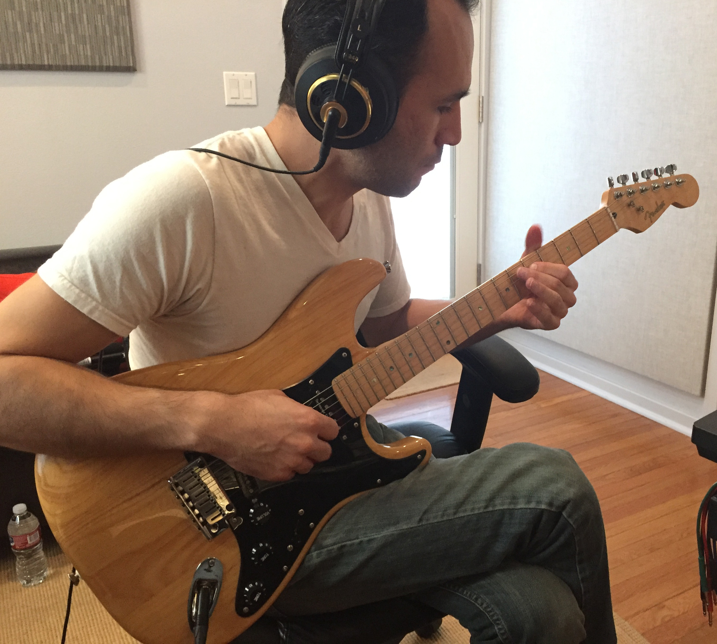 Luis Nariño on Guitar