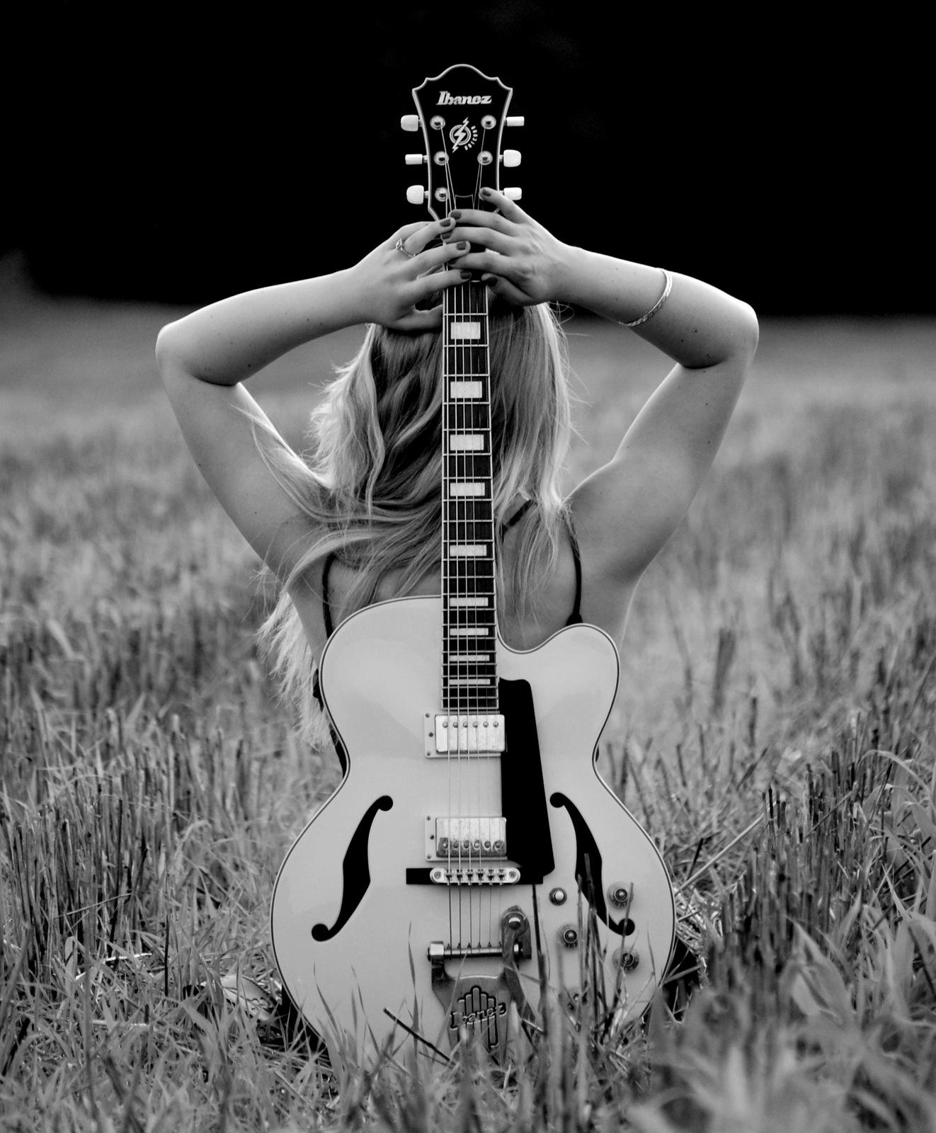 guitar silohuette.JPG