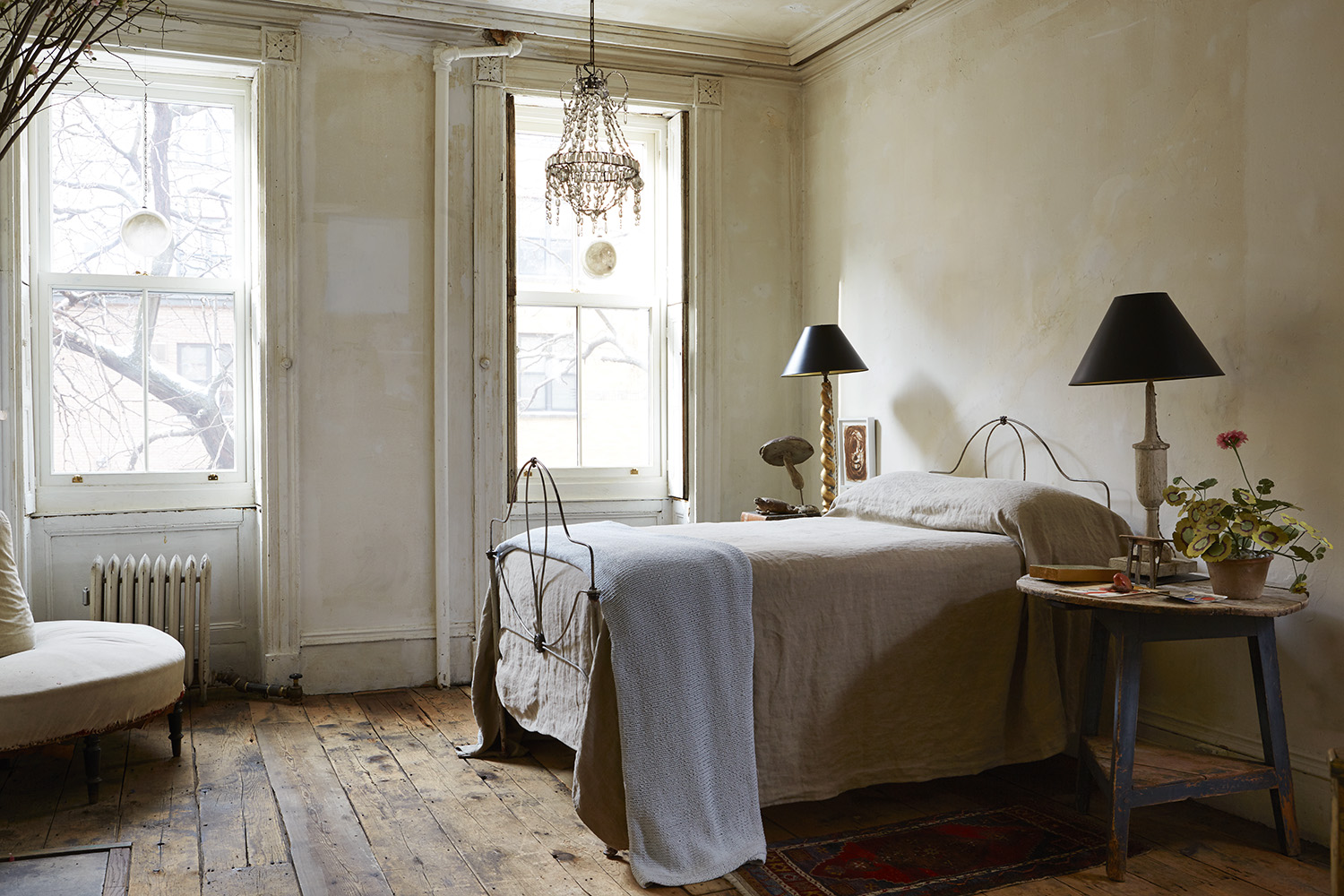 Bedroom_1_MadameFigaro_JohnDerian9213-retirerle tableauaumur.jpg