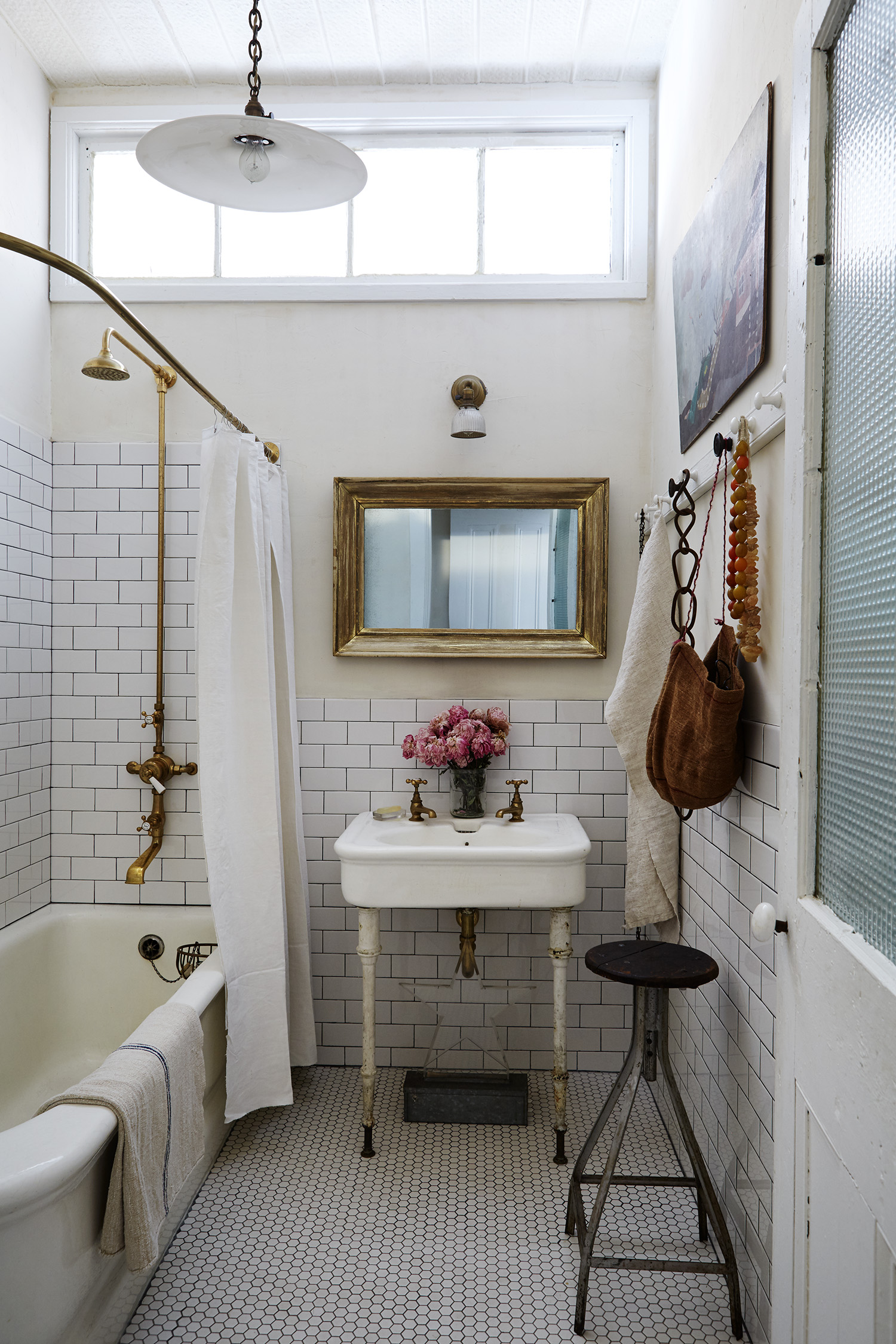 BathRoom_MadameFigaro_JohnDerian9648.jpg