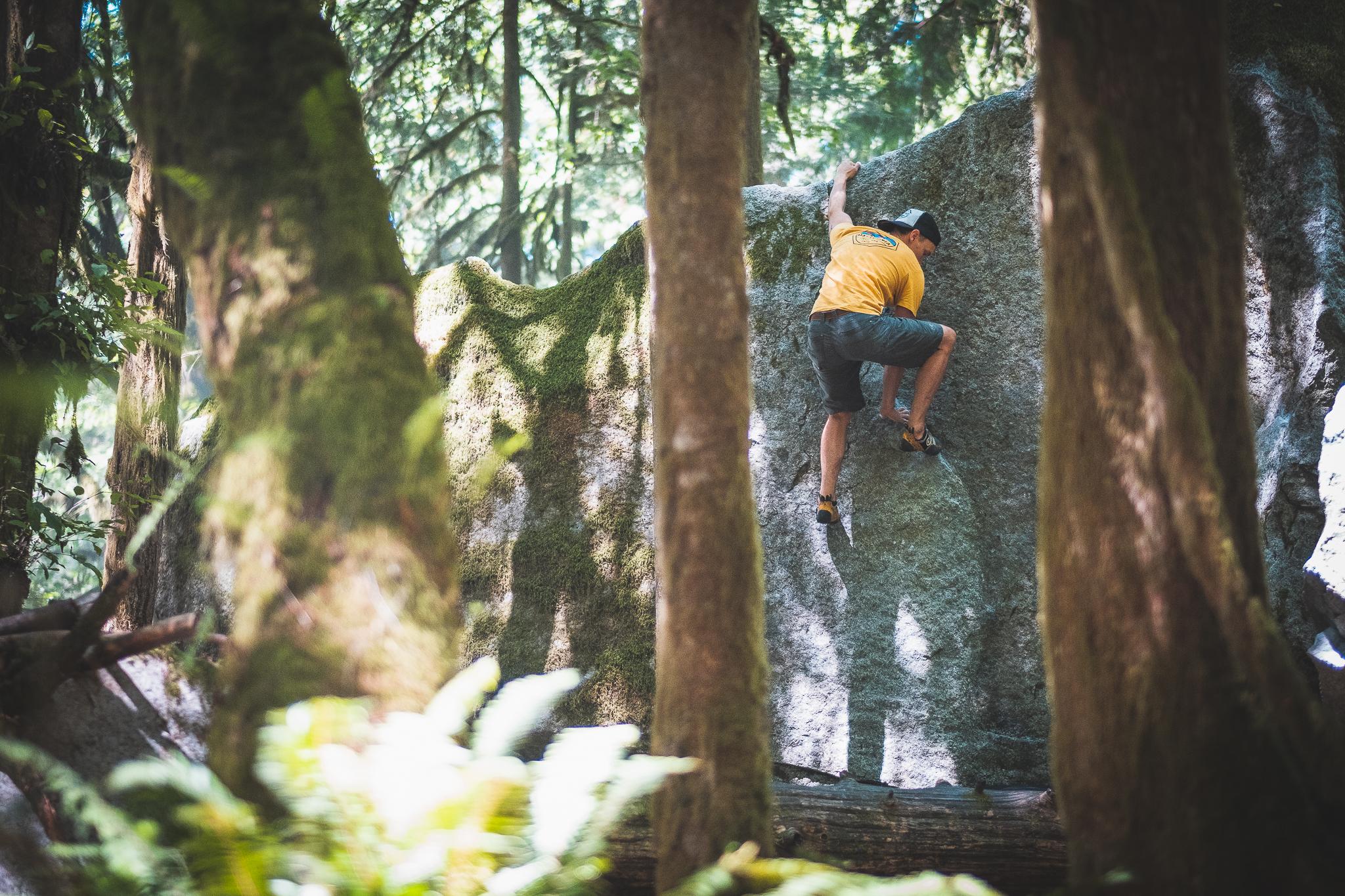 Squamish bouldering.jpg