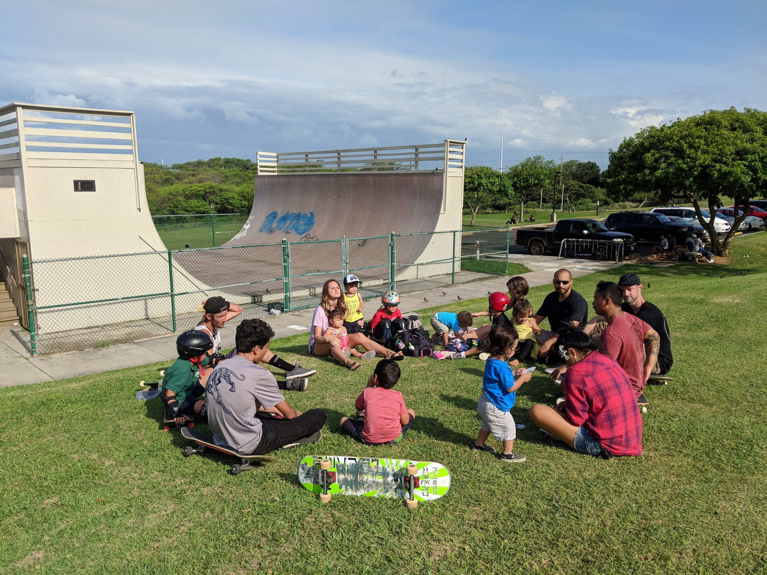 1L Life Group at Keopuolani Park in Kahului last Wednesday Afternoon. Thankful to be #ShoulderToShoulder with leaders who #LiveOneLove and also thankful to meet new friends at skateparks!
