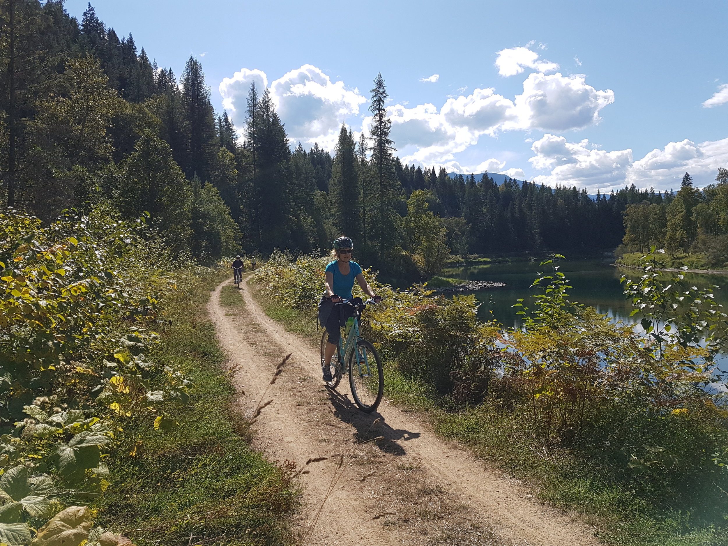 Riding along the Slocan Valley trail in Nelsn during our Mutliday tour