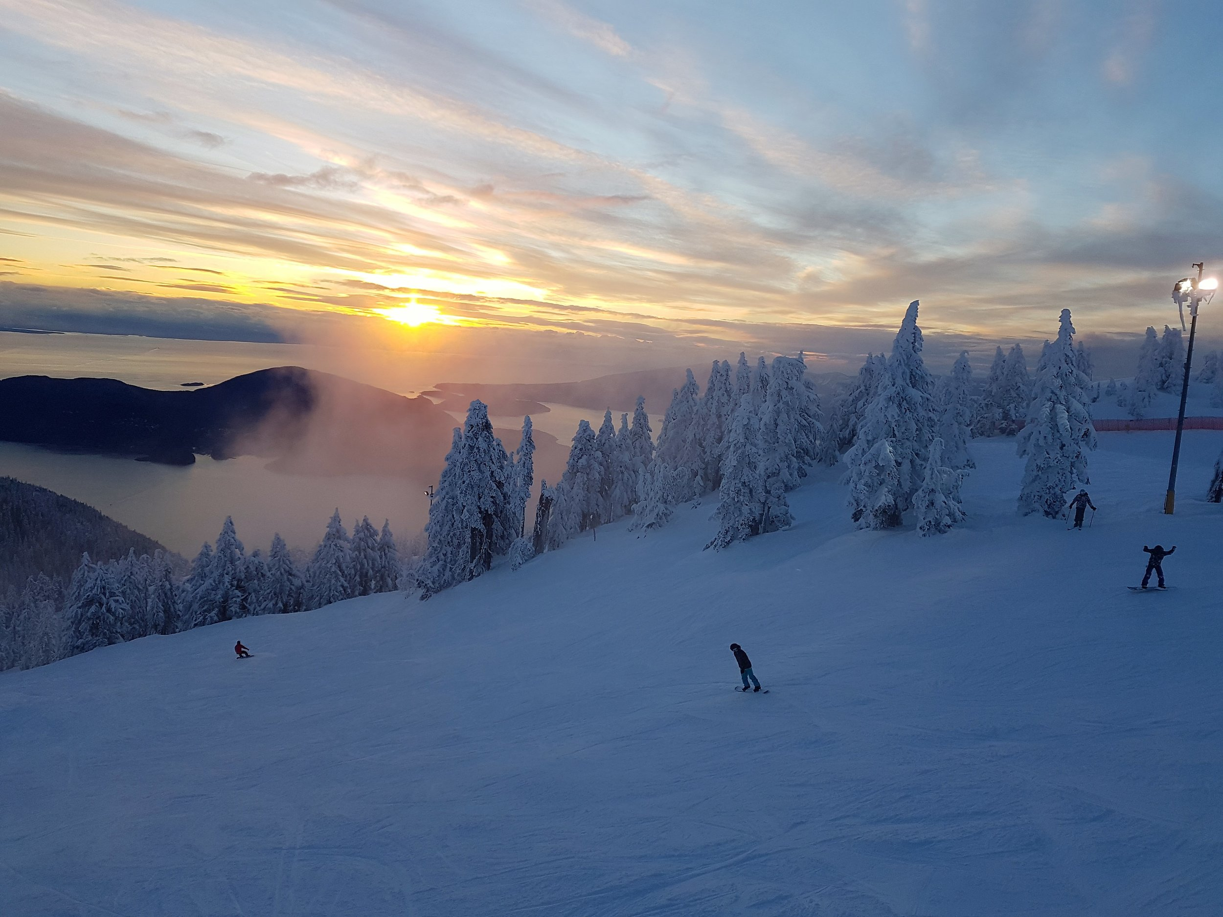Skiing with a view of the ocean