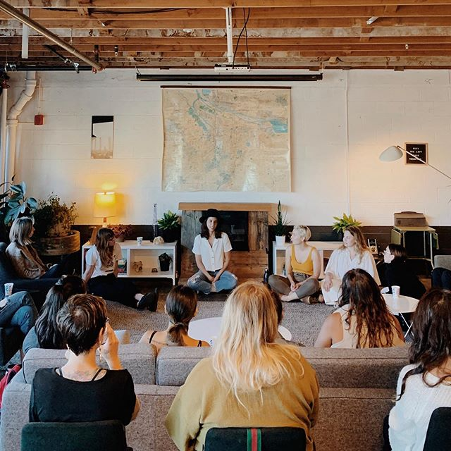 One of the things I miss the most after closing the shop is gathering the community and connecting.  Last night 30 of us joined and shared our experiences with our manifestation journeys through the @tobemagnetic work! It was magic!  If you're in Portland please join our next event ❤️ DM to get on the email list.