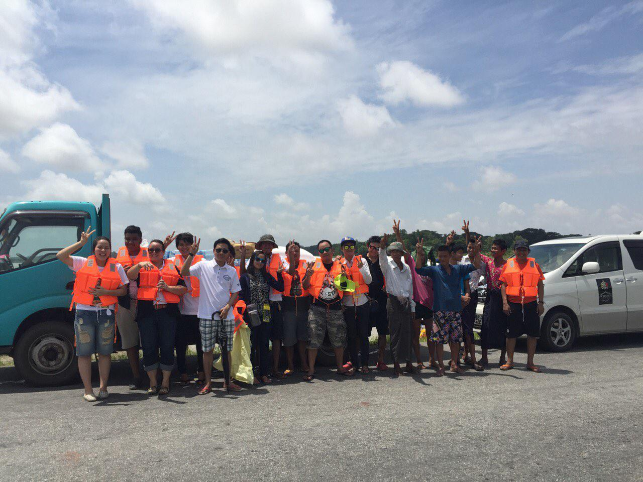 H&Co staff participating in 2015 flood relief efforts