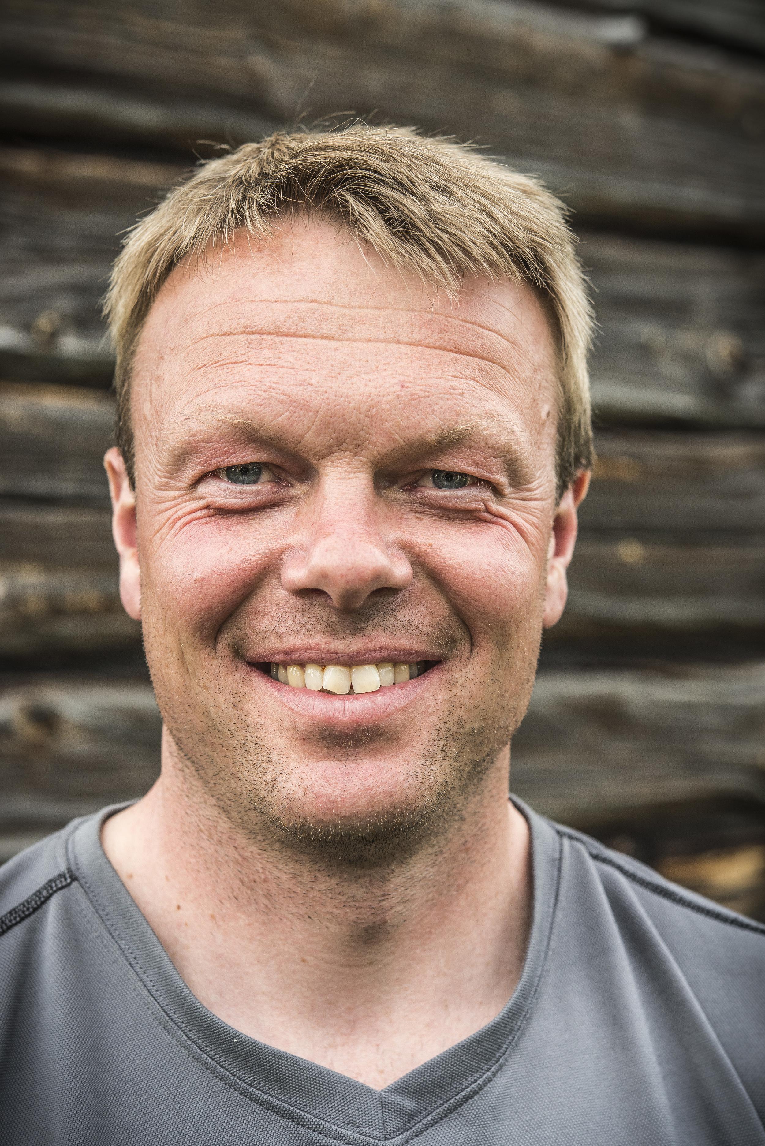 Lars Domaas Tømrersvenn / prosjektleder  Telefon 997 43 232