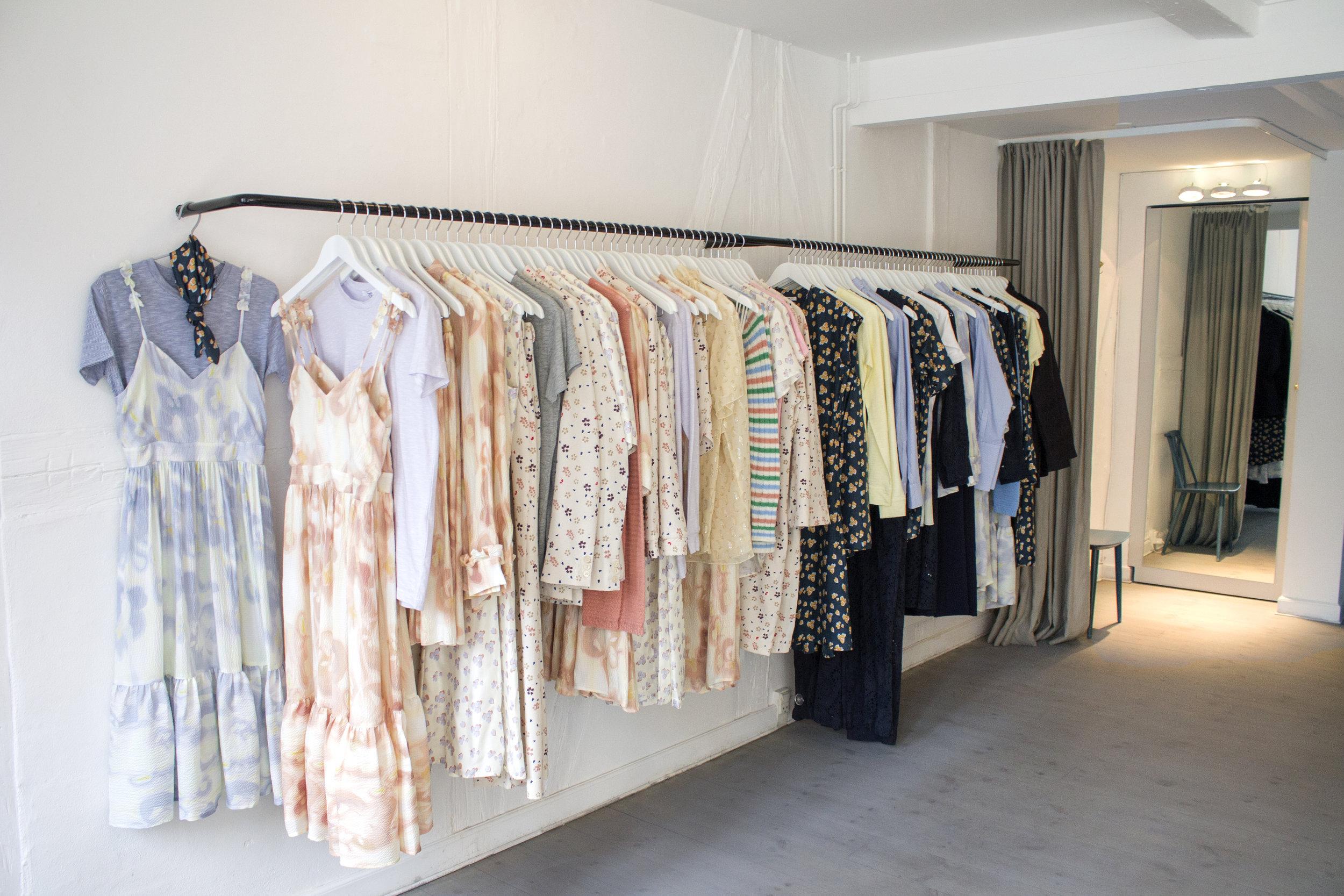 lovechild-flashipstore-fittingroom5.jpg