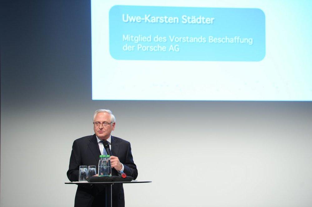 """""""Wirtschaftlicher Erfolg bringt auch gesellschaftliche Verpflichtungen mit sich, der wir gern gerecht werden. Wir sehen uns als Partner des vielfältigen Engagements in Stuttgart und freuen uns, die Bürgerstiftung Stuttgart zum 3. Mal beim Bürgerpreis zu unterstützen."""""""