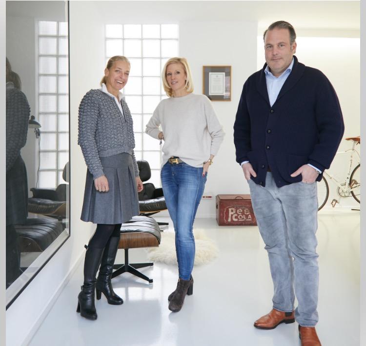 Nicole Scholl (Vorstand Bürgerstiftung Stuttgart und Stiftungsrat der Wolkenputzer Stiftung), Christine und Alexander Stein (Stifter)  (v.l.)