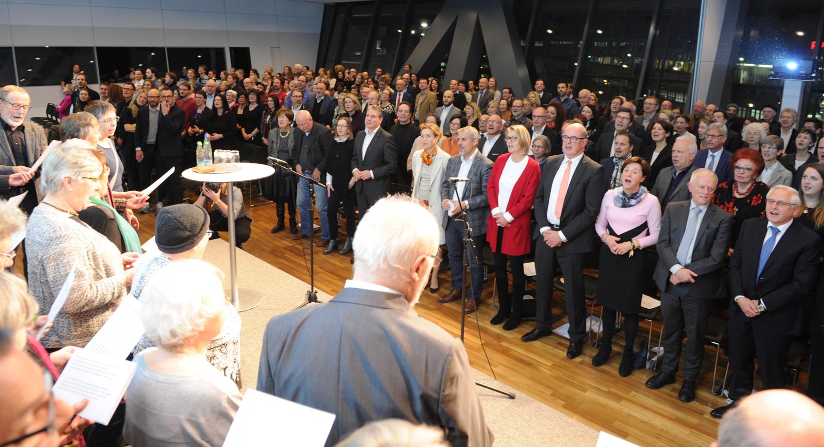 "Das Chörle Stuttgart & ""Publikums-Chor"""