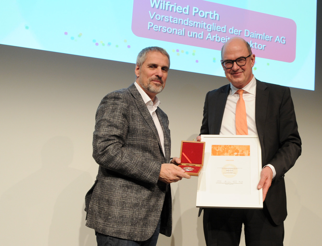 Wilfried Porth ,  Dr. Axel Sigle  (v.l.)