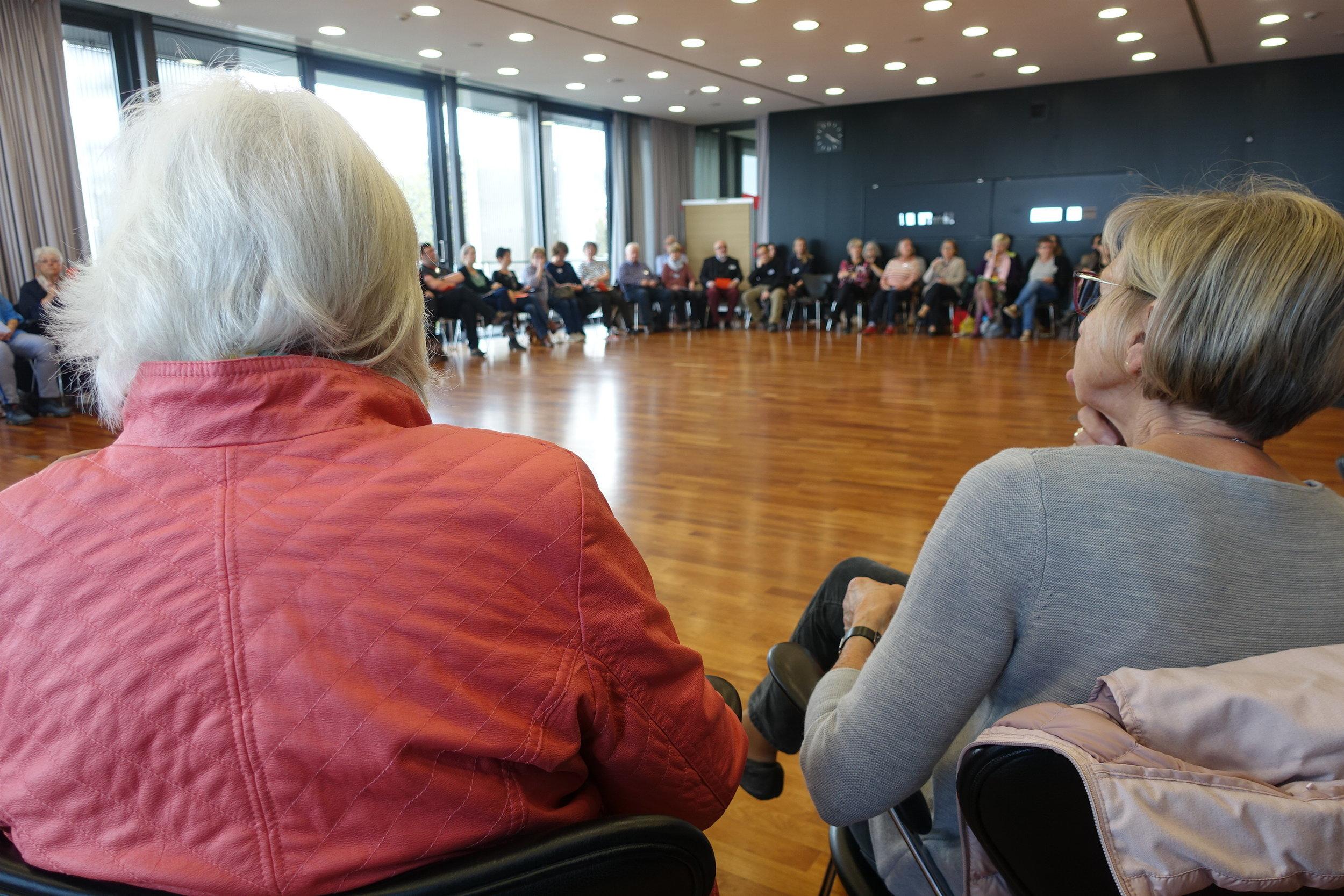 60 VorlesepatInnen kamen zur Auftaktveranstaltung, um an der Weiterentwicklung der Leseohren mitzuarbeiten.  (Foto: Jana Kegel)