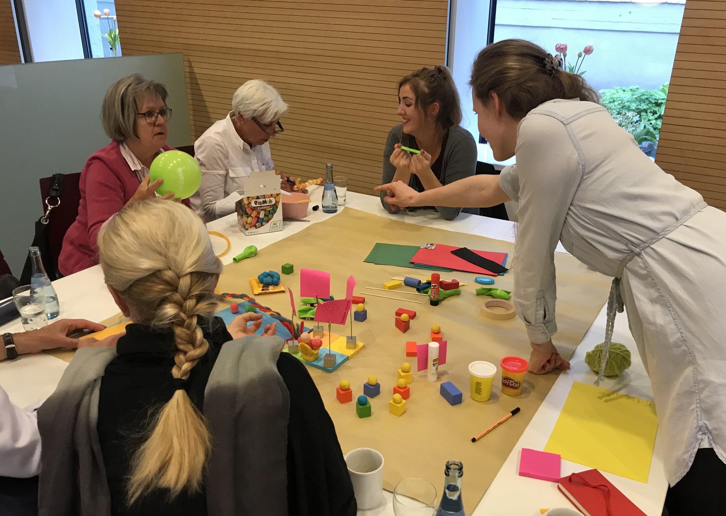 """Bei der zweiten Veranstaltung mit dem Thema """"Fortbildungen"""" wurde die Methode Design Thinking angewendet."""