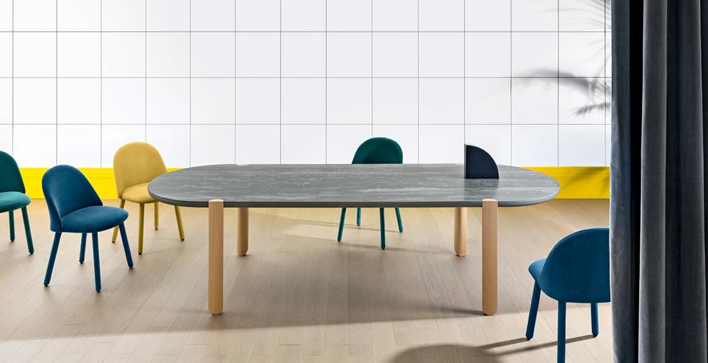 Ovo-pöytä ja Iola-tuolit