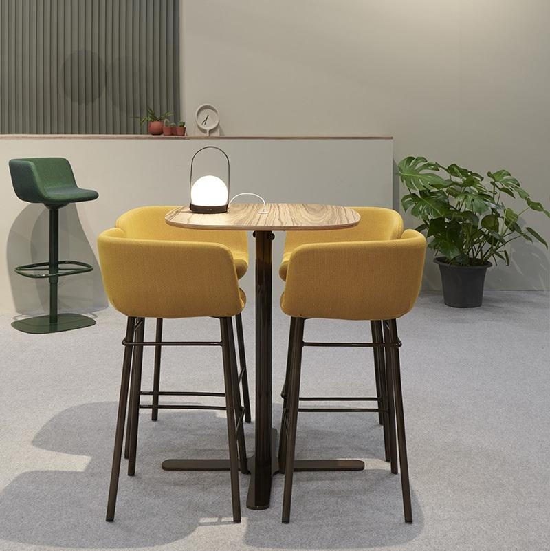 Xoko stool & Gune table