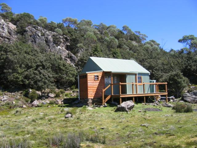 Tassie Hike 003 Lady Lake Hut.jpg