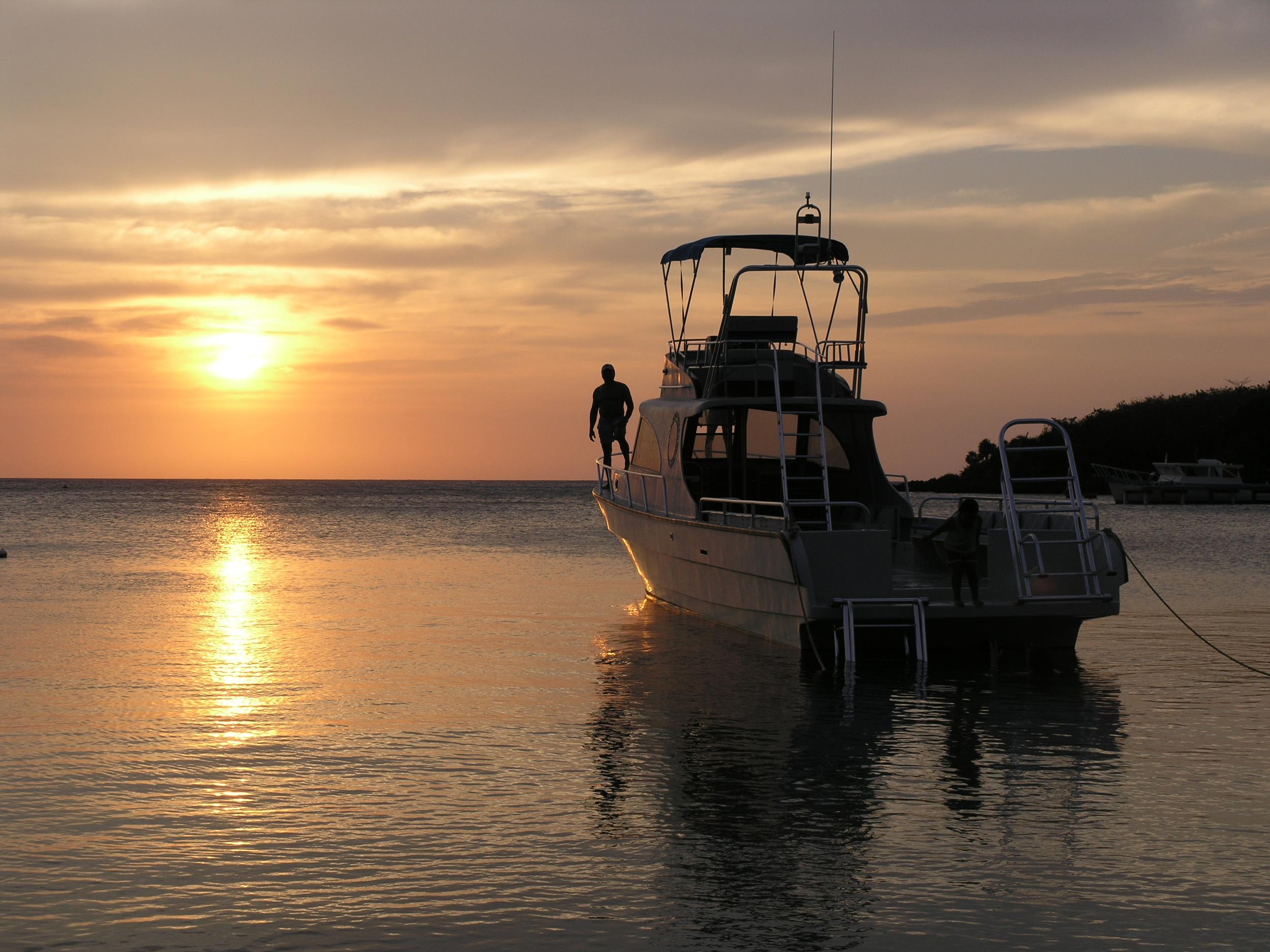 Sunset Half Moon Bay, Roatan