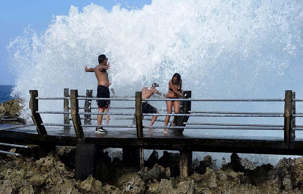 Catch The Waterblow At Nusa Dua Bingin Beach