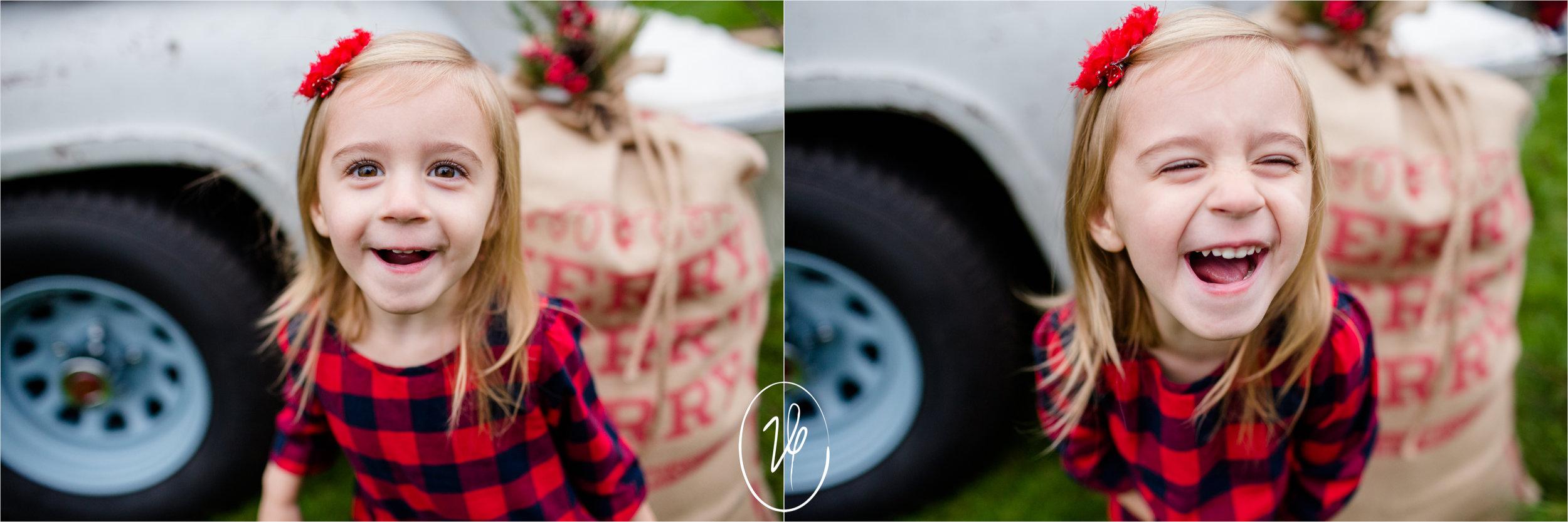 Viridian Ivy Images | Christmas Mini | Sylvania Family Photographer