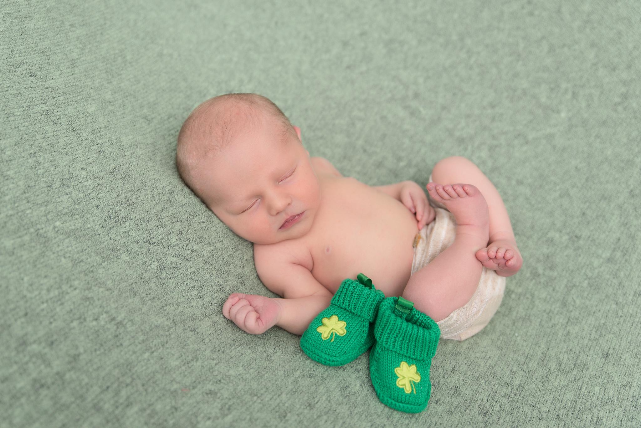 Chevy-chase-md-newborn-photographer63.jpg