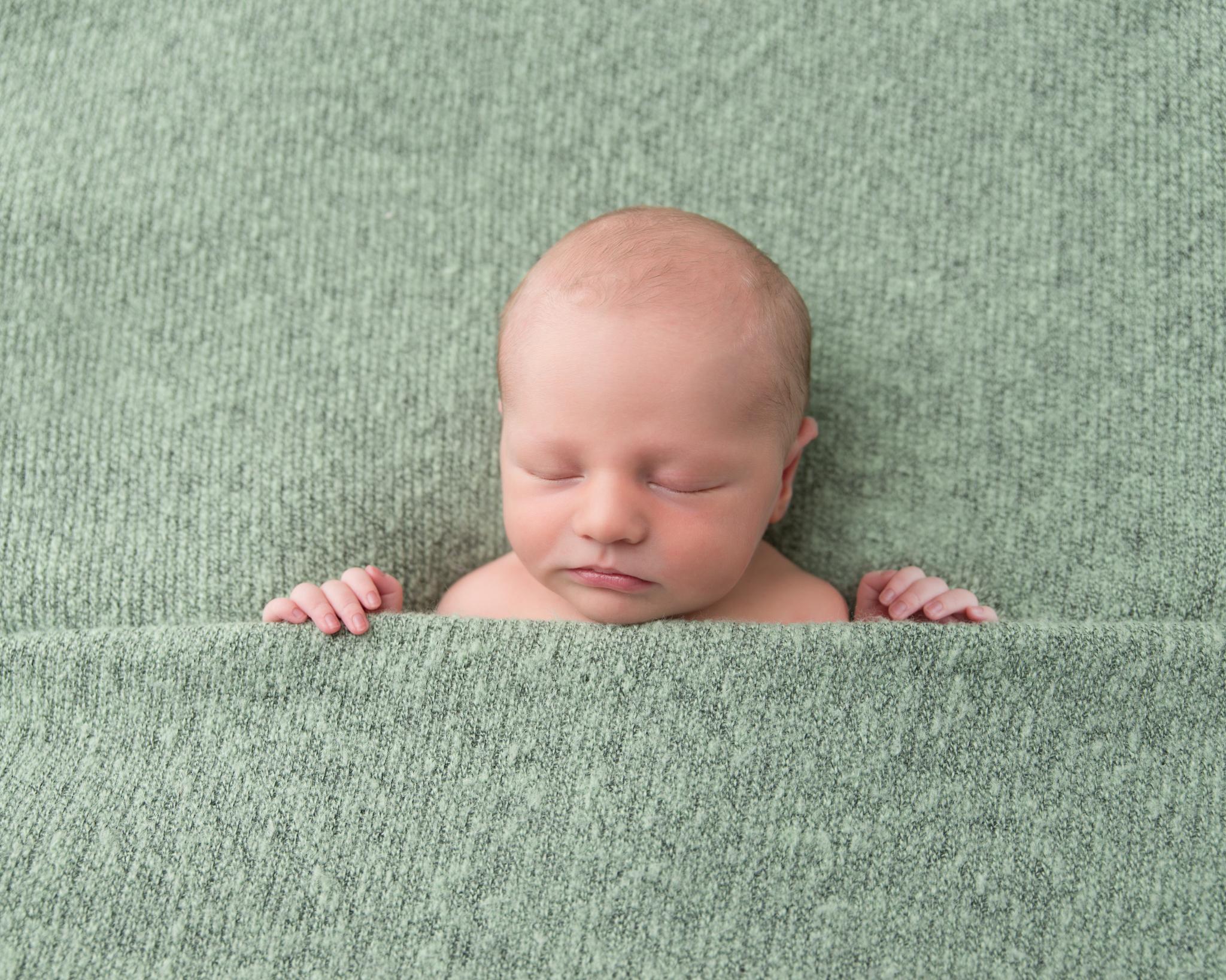 alexandria-va-newborn-photographer.jpg