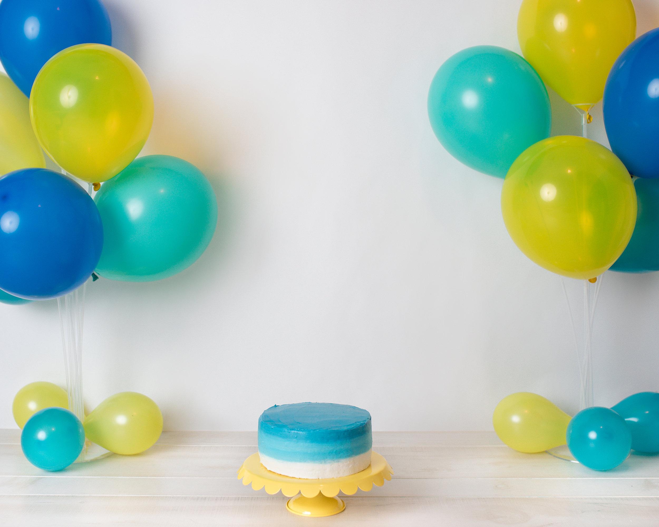 yellow_blue_cake_smash.jpg
