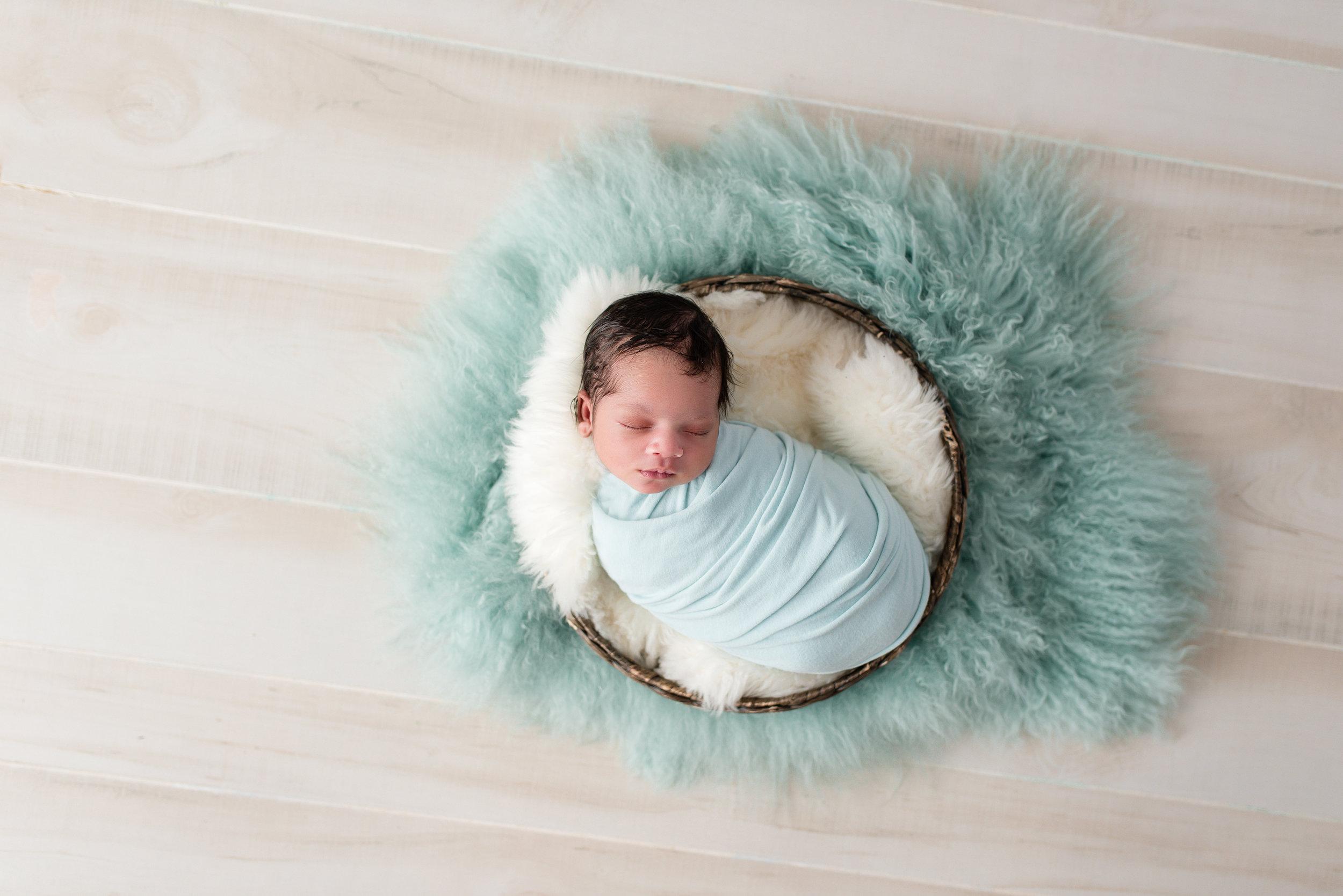 newborn_photographer_gaithersburg 7.jpg