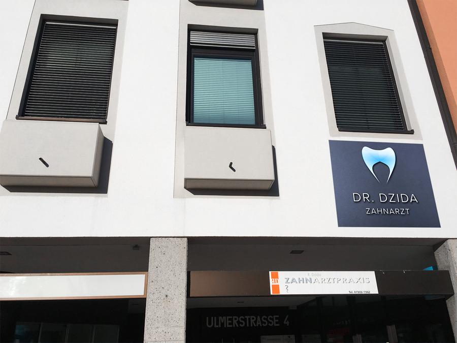 Nicht zu sehen: Spots für direkte Beleuchtung von Dr. Dzida Zahnarzt
